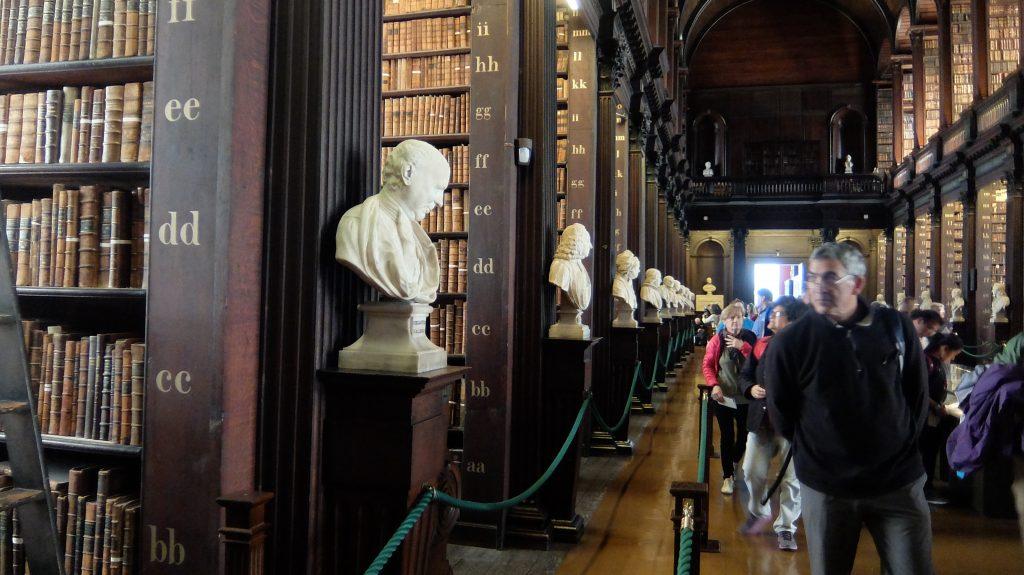 Trinity Collage Library (Dublin)